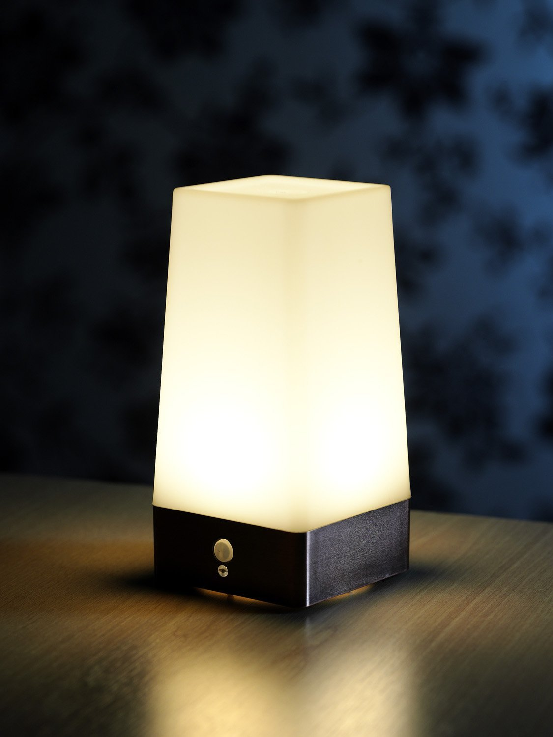 Auraglow Wireless Pir Motion Sensor Lamp Battery Hallway
