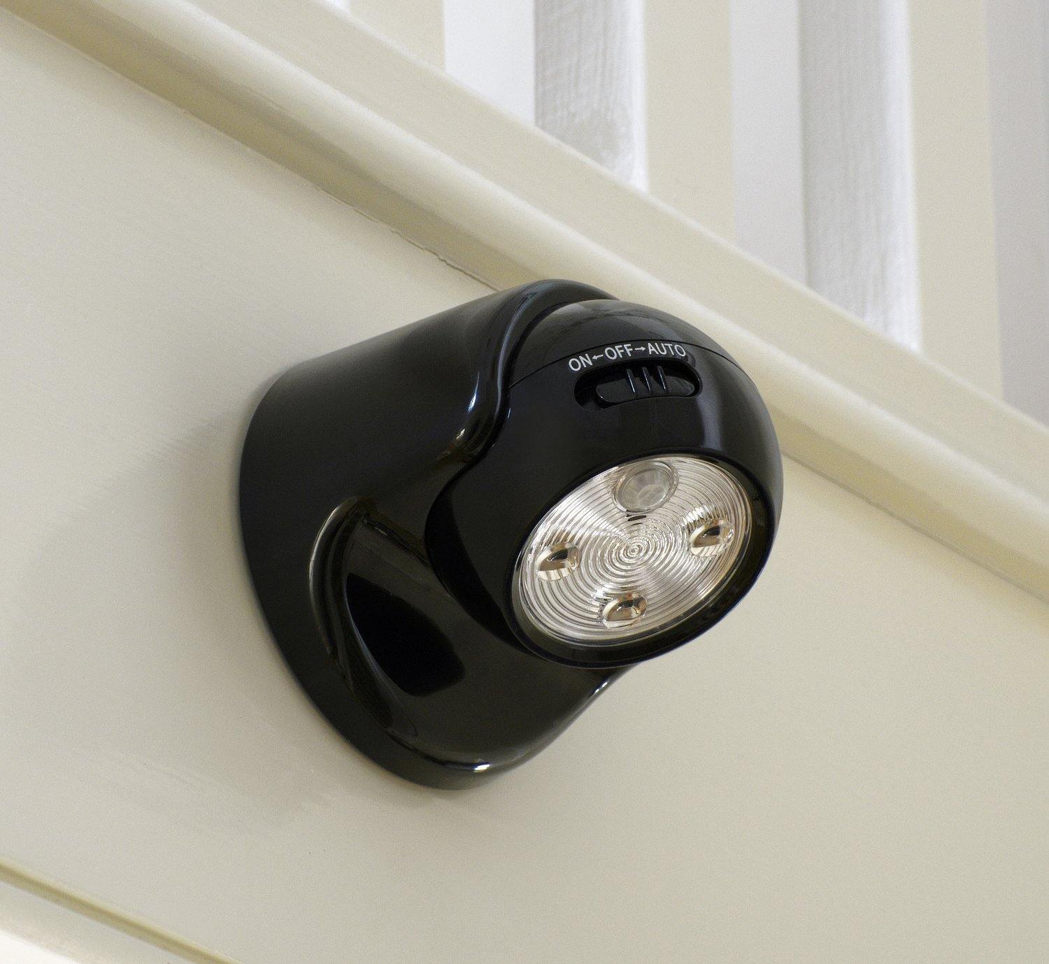 Auraglow battery operated motion activated pir sensor cordless picture 9 of 12 aloadofball Choice Image