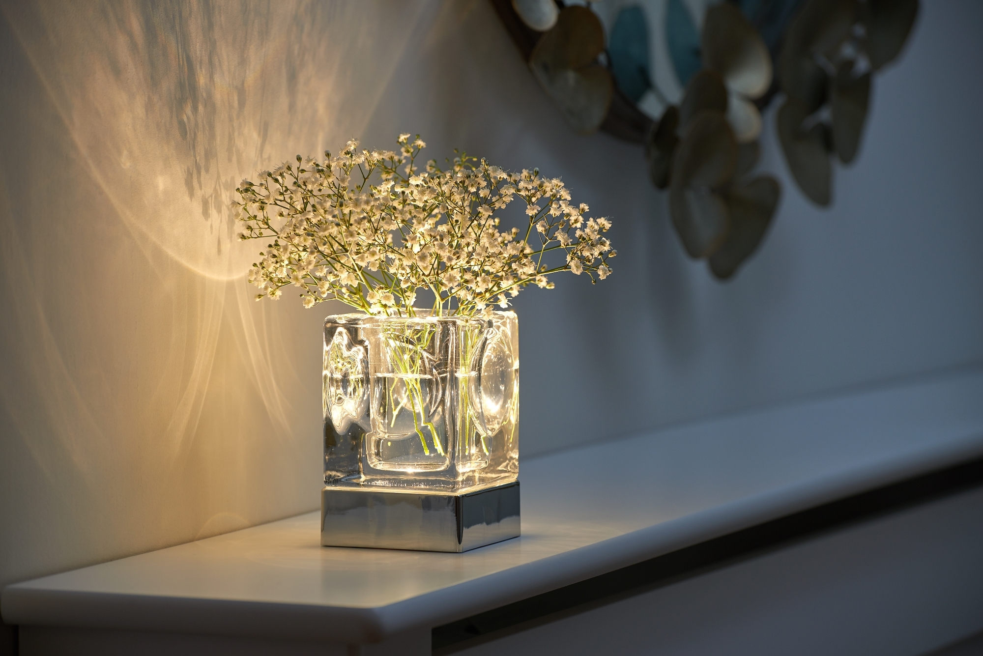 Picture of: Auraglow Rechargeable Cordless Wireless Colour Changing Led Table Lamp Vase Ebay