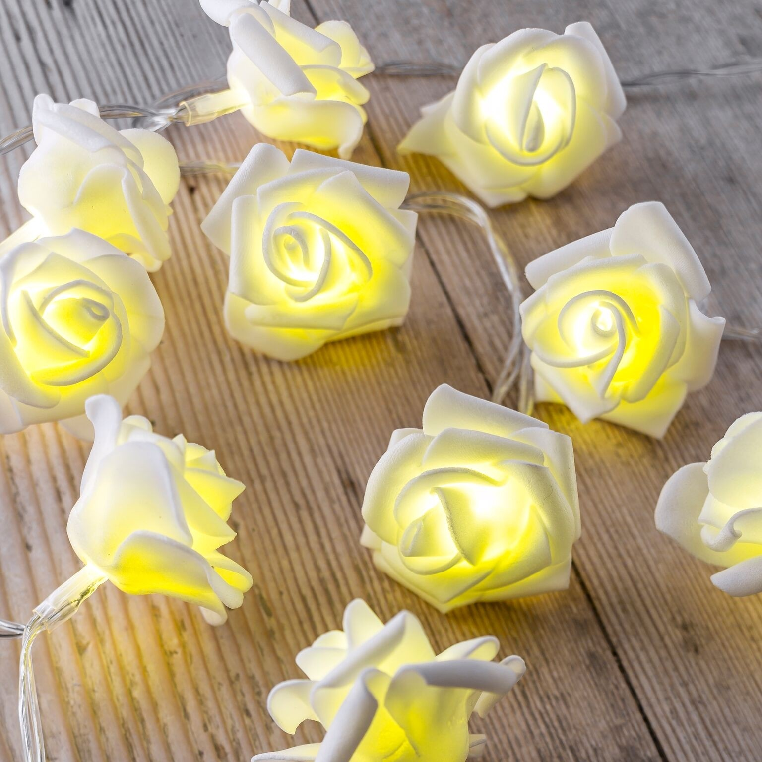 wholesale dealer fedaa a128b Set of 12 Battery Operated 2.5m Indoor String Lights - White Rose