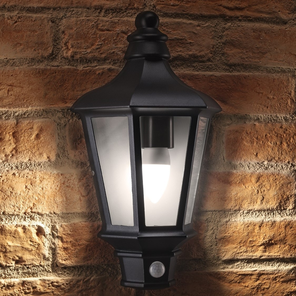 Auraglow PIR Motion Sensor Vintage Outdoor Security Wall Light - CHESTER -  Auraglow LED Lighting e8dc777dc217