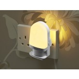 Auraglow Automatic Plug In Colour Changing LED Nursery Night Light with Dusk till Dawn Daylight Sensor.1