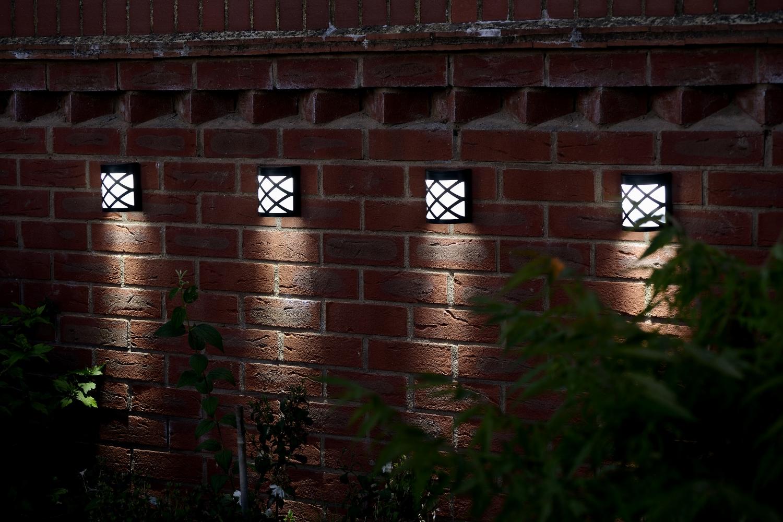 wireless garden solar fence light cool white 4 8 pack auraglow