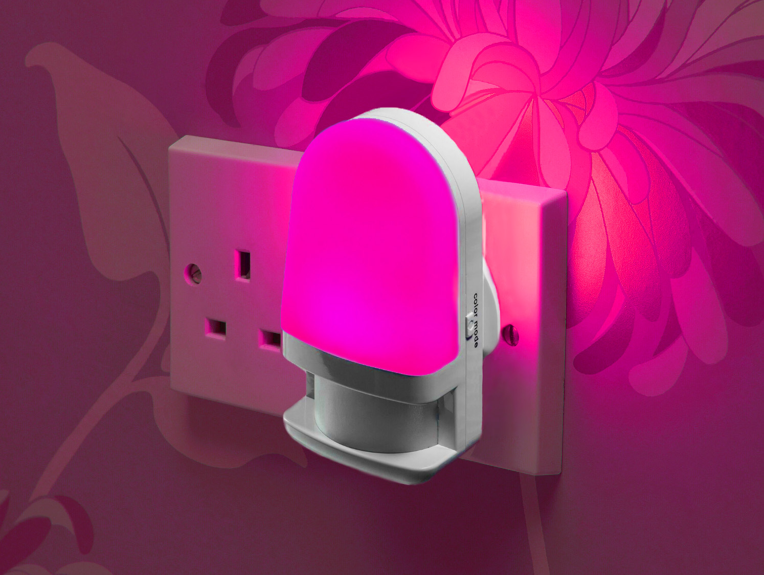 Plug In Colour Changing Led Night Light Daylight Sensor